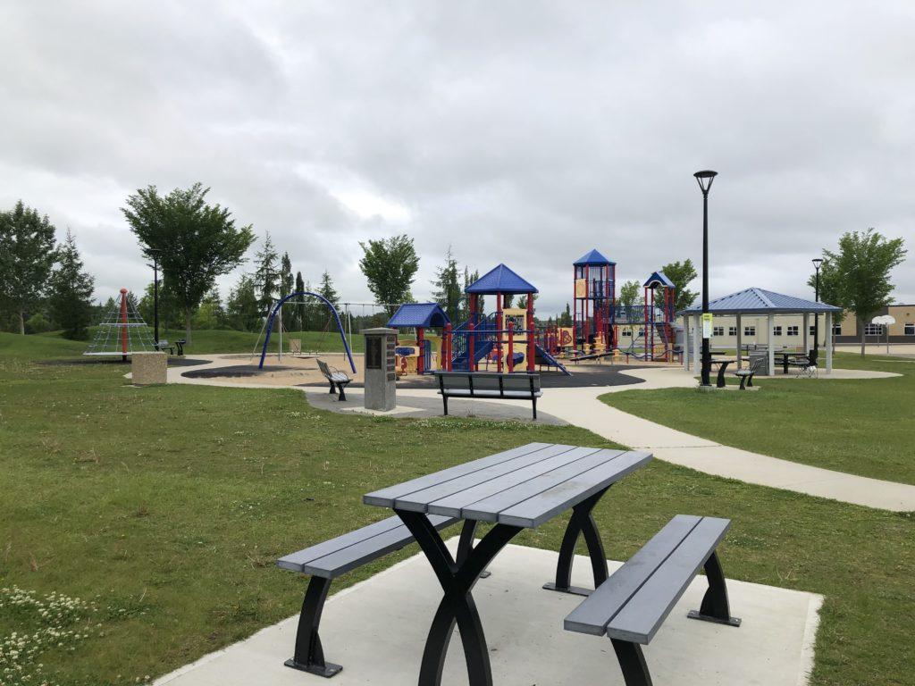 Hamptons-Sister-Anata-Playground